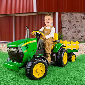 John Deere 12 Volt Ground Force With Trailer