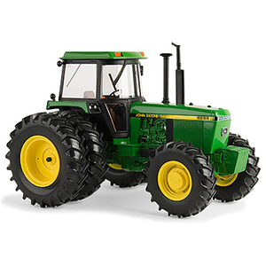 1:16 Prestige Collection 4255 Replica Tractor with Duals