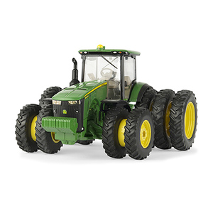 1/32 8400 R Tractor with Triple Wheels