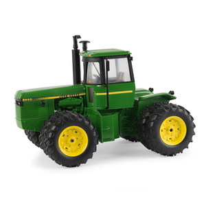 1/32 8450 Tractor