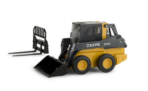 1/16 320E Skid Steer Loader